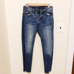 Lucky brand low rise jean size 25